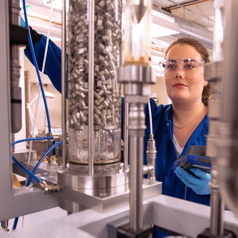 CBE Undergrad Anna Kleunder in Schleckser Family Unit Operations Laboratory